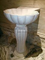 22x22xH36 Crema Marfil Marble Shell Pedestal Sink