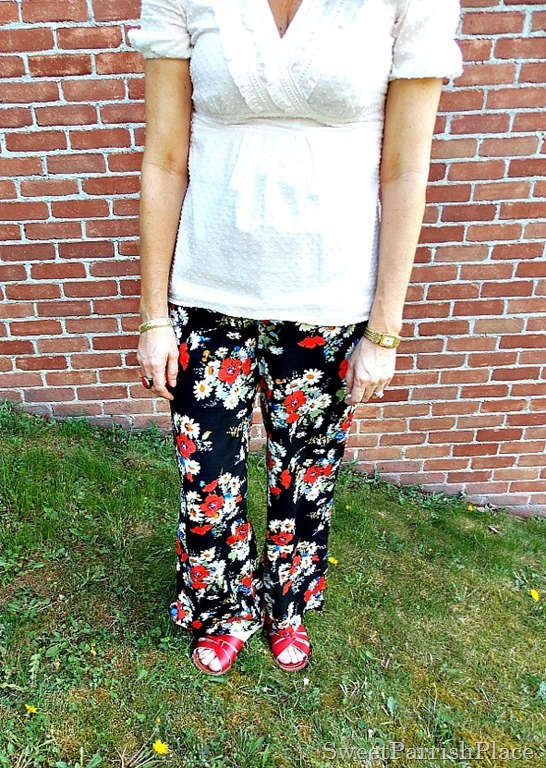 Floral palazzo pants, cream blouse, red salt water sandals4