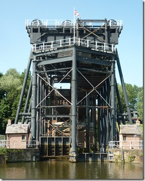 26 boat lift from weaver