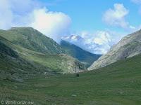 Hoch zum Col de Sarenne (1999 m) und Alpe d'Huez.
