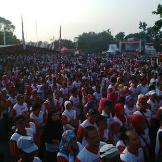 Semarak Alfamart Fun Walk di Stadion Mandala Krida Yogyakarta