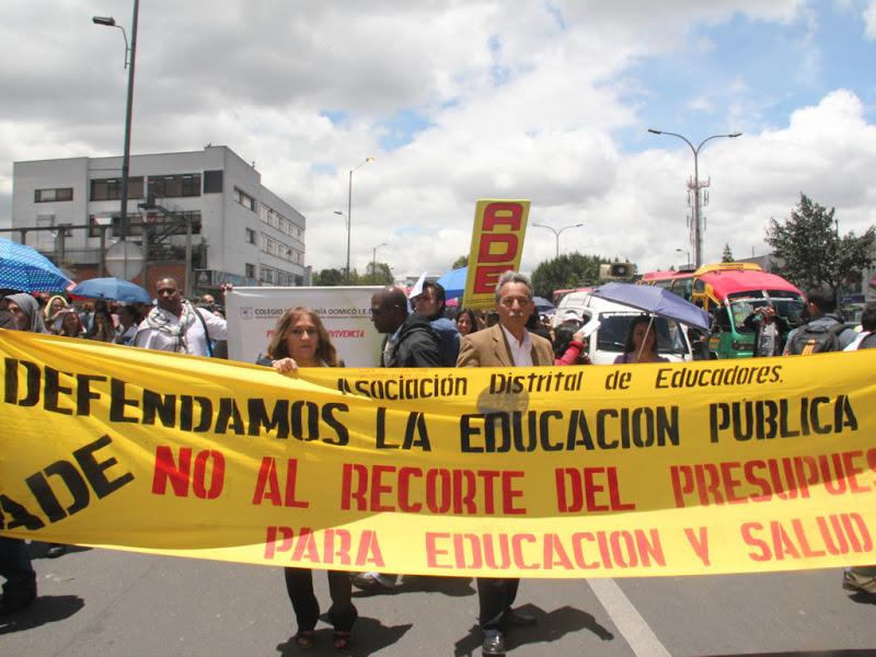 La ADE llama a una desobediencia civil constructiva en el 'Día E'