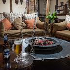 Kaltes Bier und warme Füße - Abend in der Buhoma Lodge © Foto: Marco Penzel | Outback Africa