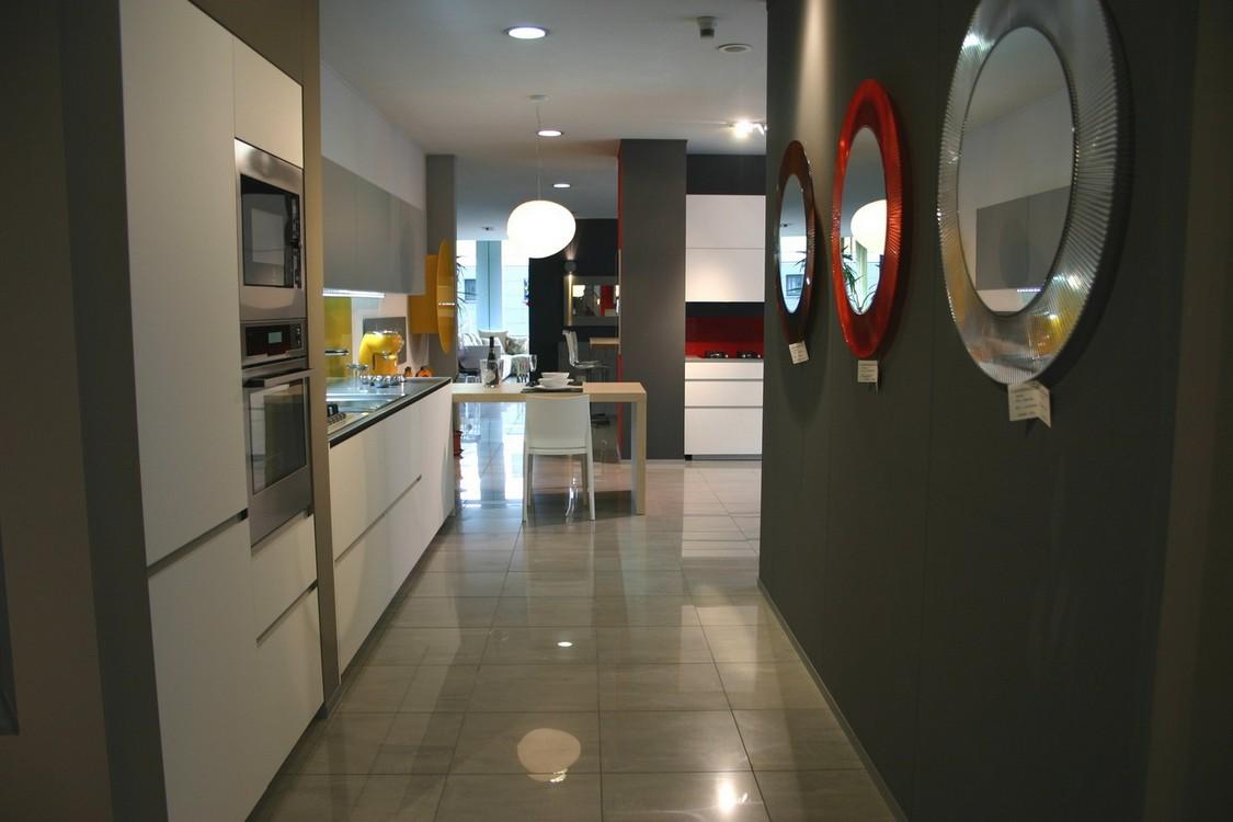 Cucine valcucine carminati e sonzogni - Schienale cucina in vetro temperato ...