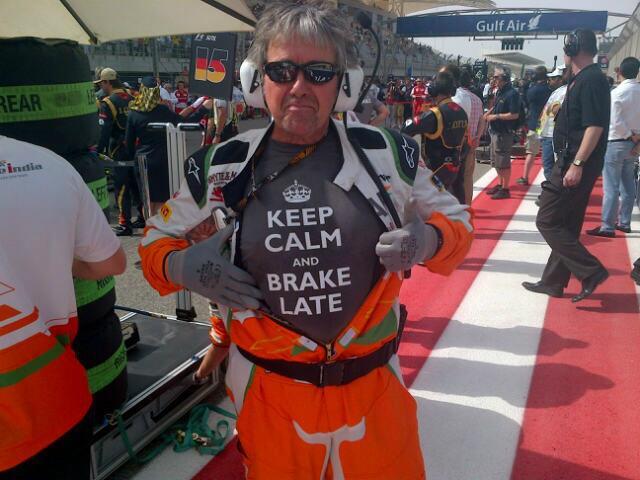 Нил Дики в футболке Keep Calm на Гран-при Бахрейна 2013