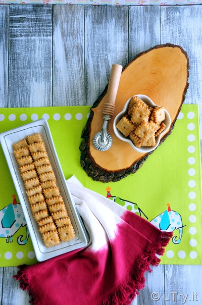Check out how to make these fun and healthy snacks, Whole Wheat Smoked Cheddar Crackers (a.k.a. Smoky Cheez-It), with a step-by-step video tutorial.   http://uTry.it