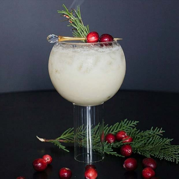 21 Christmas Cocktails to Make in 2019