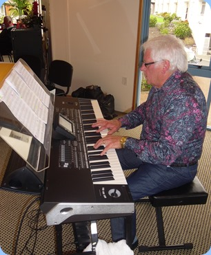 Rod Moffat playing his Korg Pa3X (76 note version). Photo courtesy of Delyse Whorwood.