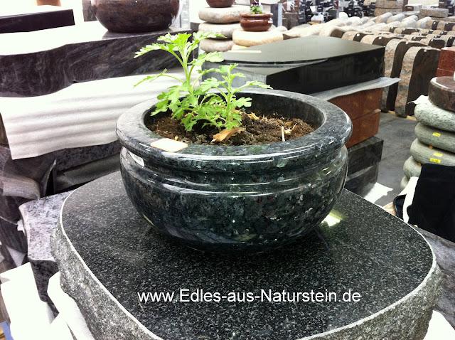 stein granit marmor pflanzschale aus naturstein fuer grab grabanlage grabmal ebay. Black Bedroom Furniture Sets. Home Design Ideas