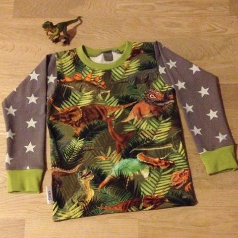 hjemmesyet dinosaur bluse