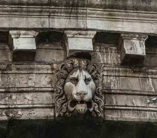 Rialto Venice bridge detail