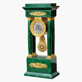 Антикварные часы из малахита 1840 г. 67/15/27 см. 19000 евро.