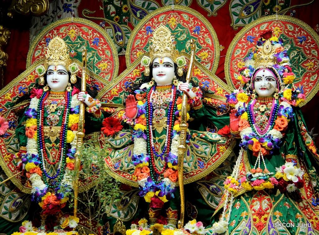ISKCON Juhu Sringar Deity Darshan 09 Feb 16 (26)