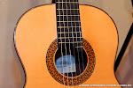 Una guitarra Alhambra