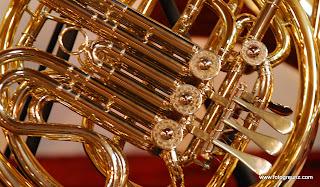 horn03