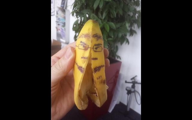 Selbstportrait als geteilte Banane