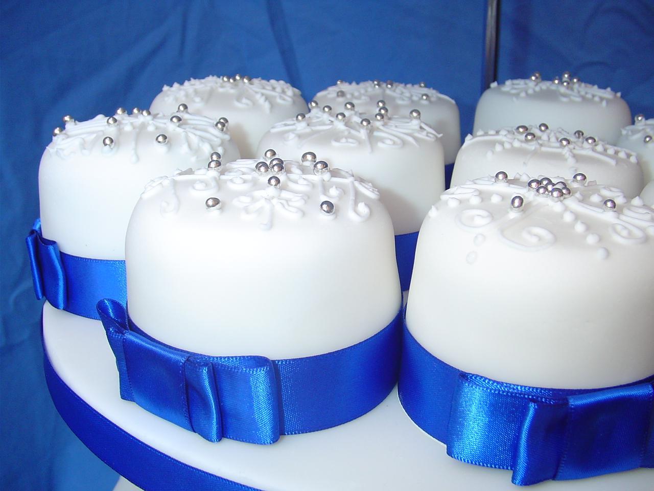 Spotlight on A Winter Wedding Cake    Winter Wedding 2