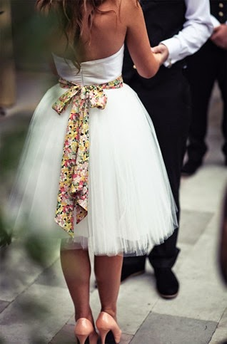 Vintage-Floral-Belt-Inspiration-for-Go-With-Short-Wedding-Gown