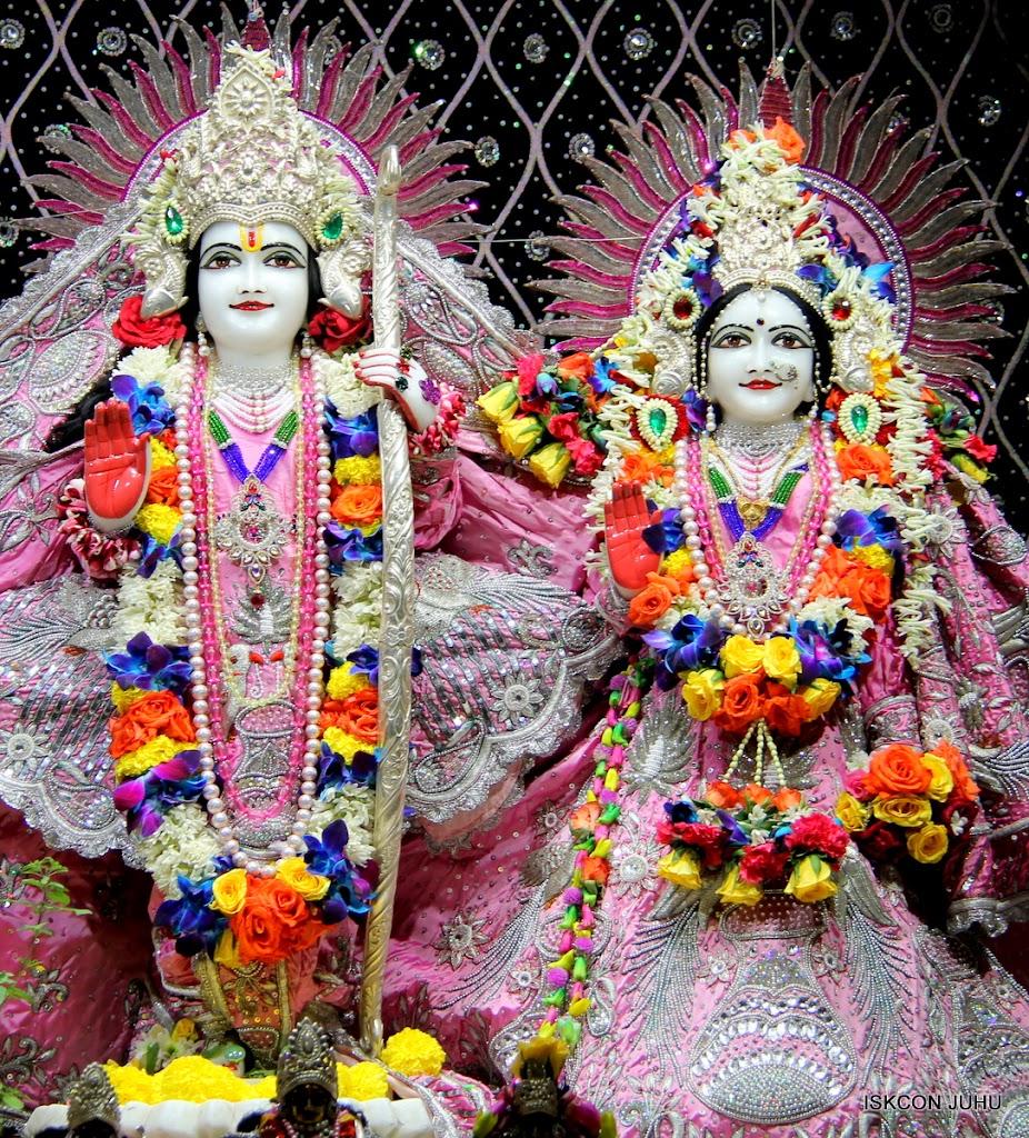 ISKCON Juhu Sringar Deity Darshan 20 Jan 16 (37)