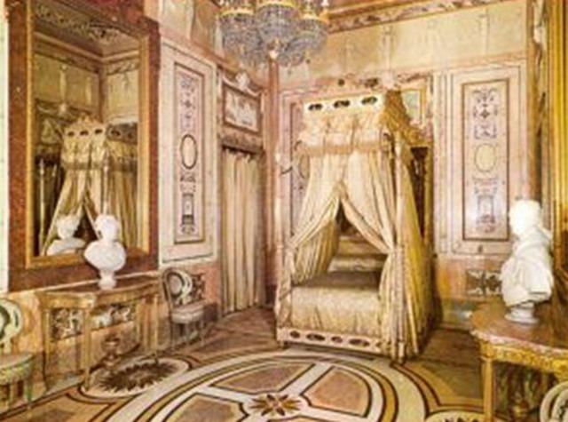 La polvera de María Luisa de Parma