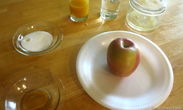 Design ways to preserve a cut apple from browning