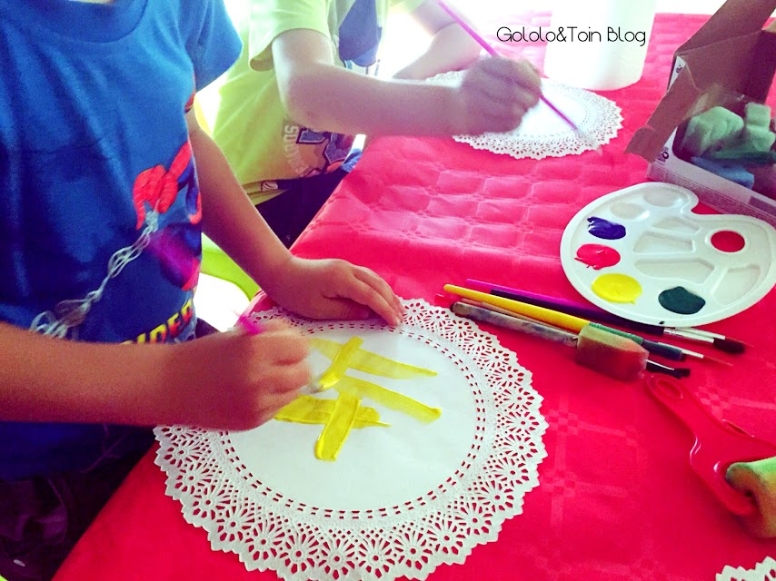 guirnalda-blondas-diy-manualidades-niños-decoracion-fiesta