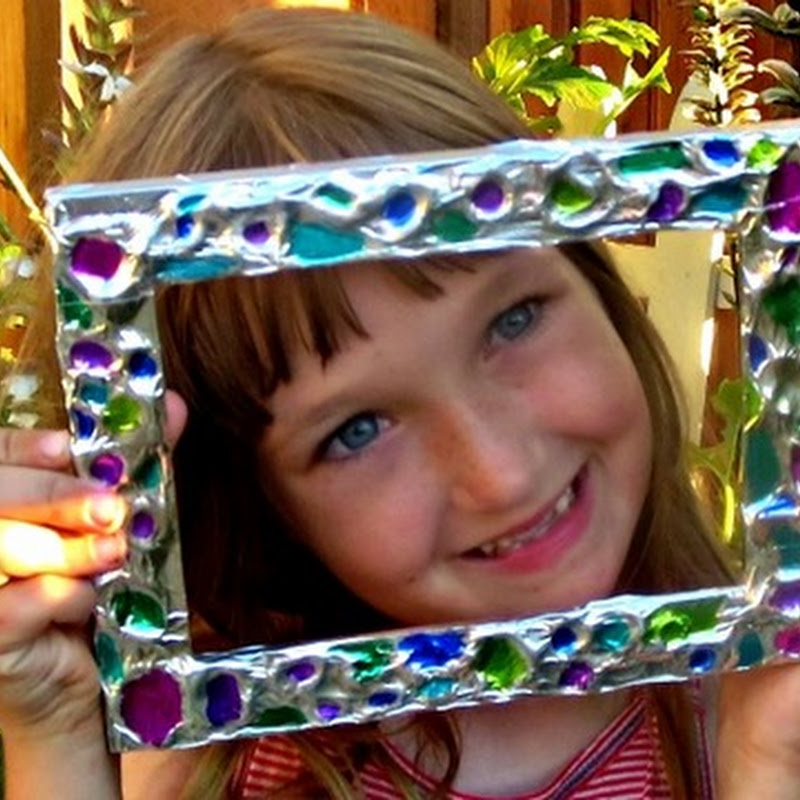 Gifts Kids Can Make: An Aluminum Foil Picture Frame