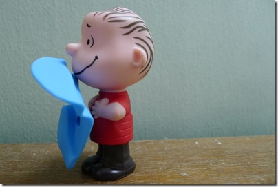 McDonald's happy meal X The Peanuts Movie 2015 toys: Linus