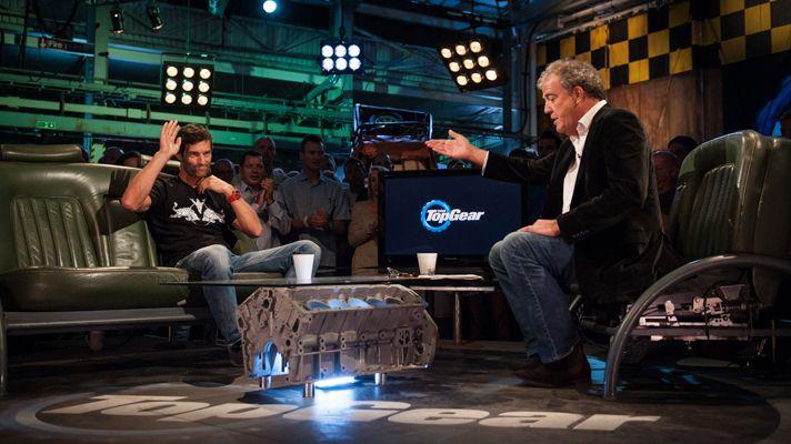 Марк Уэббер дает интервью Джереми Кларксону в Top Gear S20E06