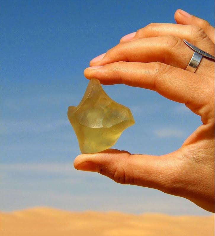 libyan-desert-glass-8