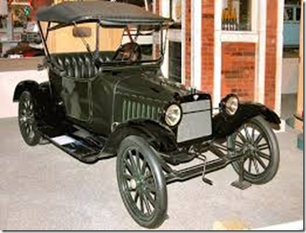 1916-Saxon-Roadster-Dark-Green-Black-fvr-H-Ford-Museum-N