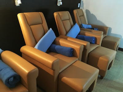 Pampering chairs at the Manila airport lounge