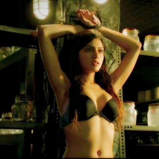 sapna pabbi hot bikini