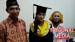 Darwati dan orangtuanya