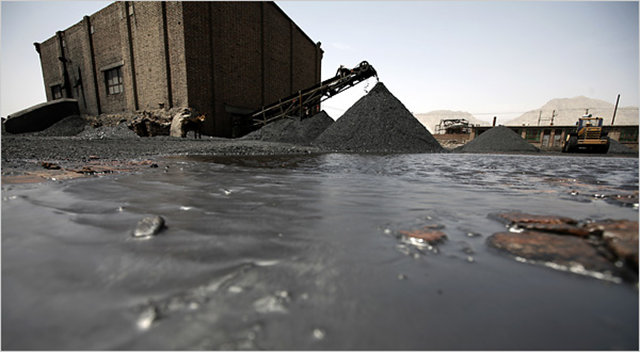 Coal mine in Ningxia Province, China. Photo: Chang W. Lee / The New York Times