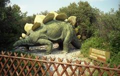 1990.09.16-090.27 stégosaure