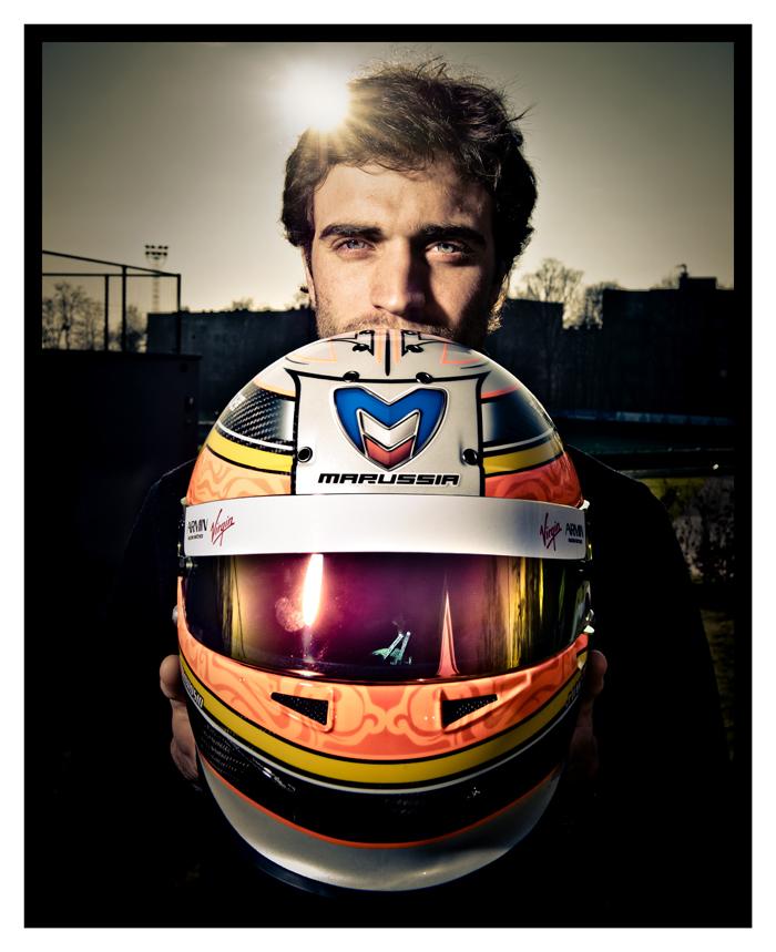 фотосессия Жерома Д'Амброзио со шлемом