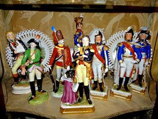 Коллекция фарфоровых скульптурок. ок.1900 г. Высота 23-30 см. 1600 евро.