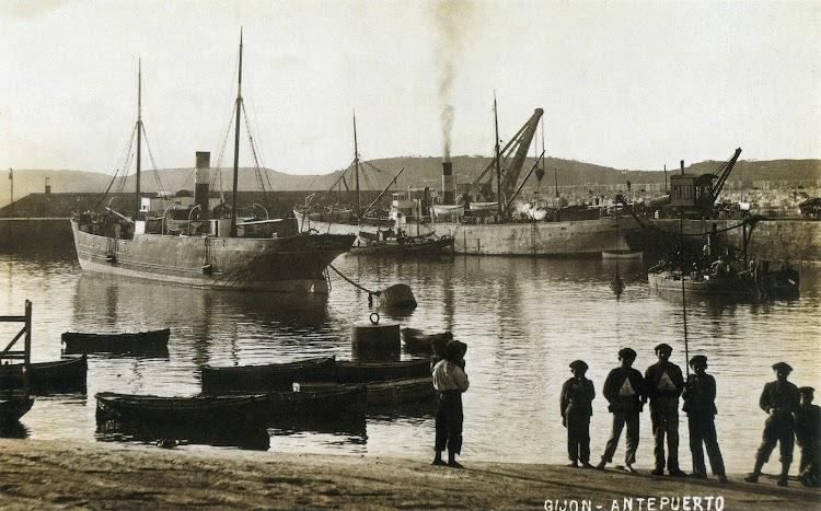 Vapor UNION HULLERA NUM. 2. Gijón. 1892. Del libro Gijón. Visión y Memoria Portuaria.jpg