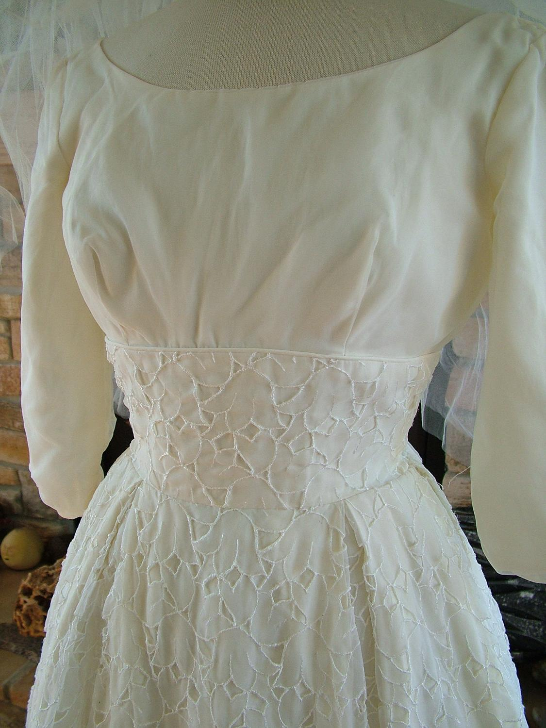 1960s short lace wedding dress