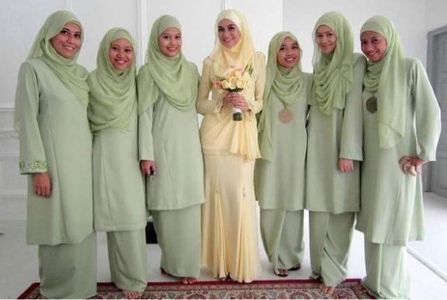 Koleksi Tema Warna Dan Design Baju Bridesmaids
