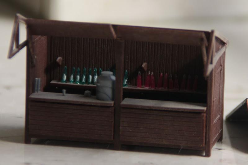 da sind flaschen und becher bei gewesen keine r mer f r damalige verh ltnisse fand ich das. Black Bedroom Furniture Sets. Home Design Ideas