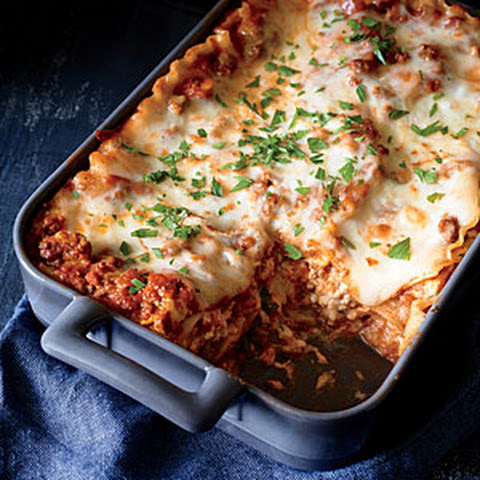Classic Lasagna with Meat Sauce