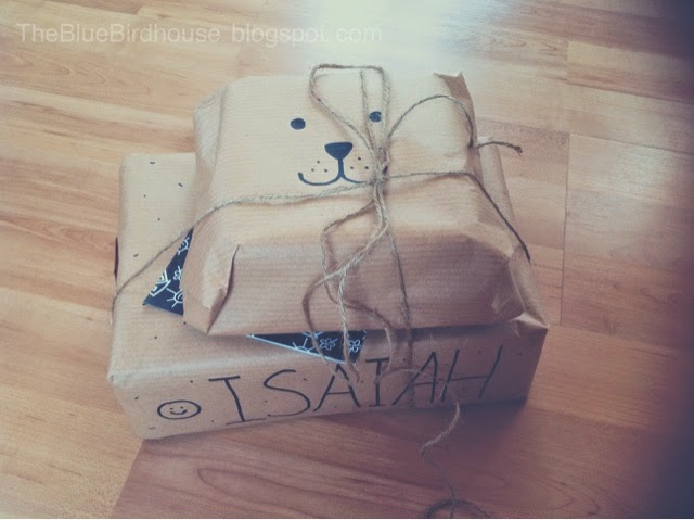 Love this adorable packing paper idea and she has other ideas on the blog!