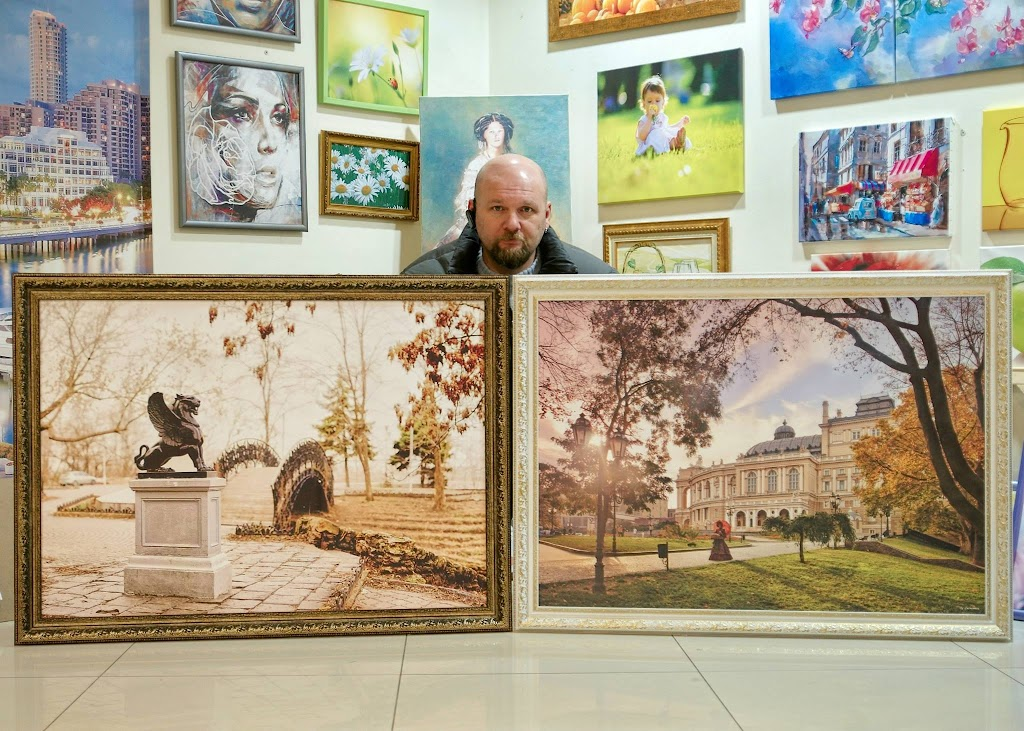 Фотограф Игорь Сытник со своими работами