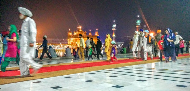 The Golden Temple Langar on the Amritsar Food Trail