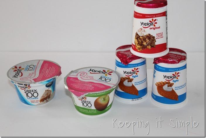 #ad Halloween-snack-idea-Bat-yogurt-with-printable #SnackandSmile (2)