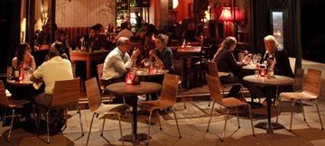 restaurant-outside-dining