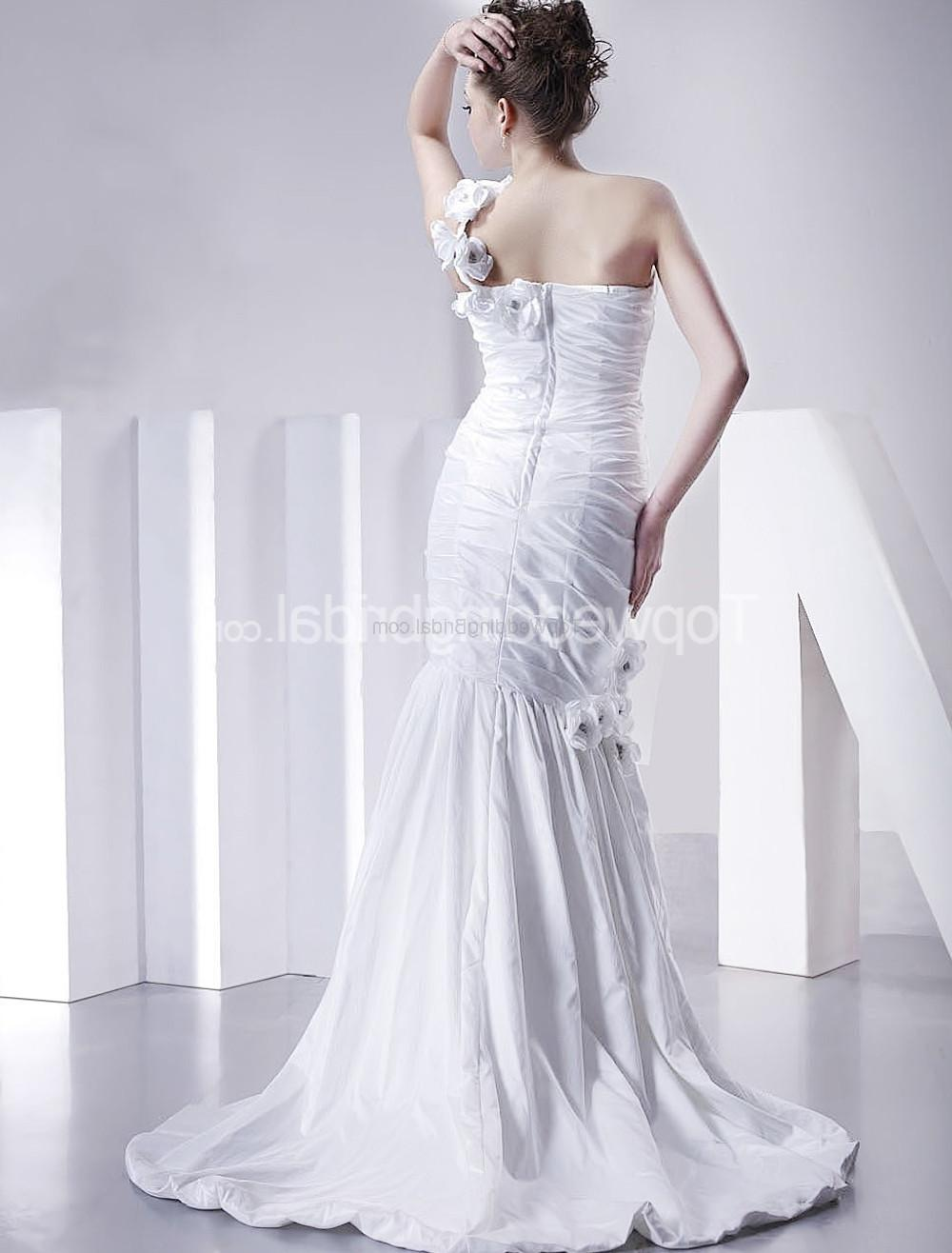 Gown. White One Shoulder