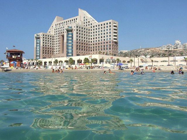 ADSCF8807 Haifa Meridian Hotel.jpg